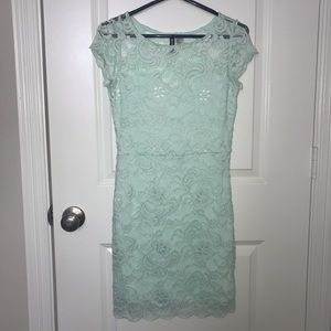 Forever 21 Mint body con dress. Size 8.